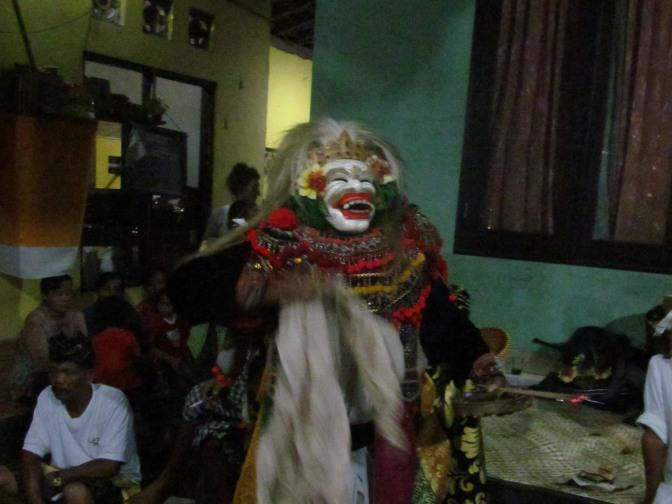 A Topeng dance